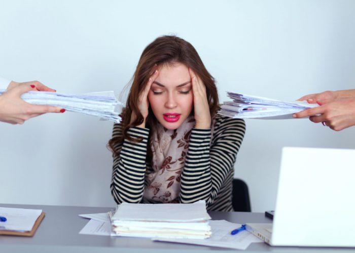 Vermoeide-vrouw-stress-burn-out-pikir-coaching